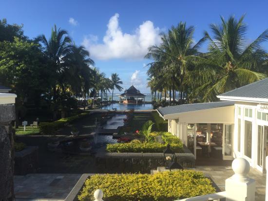 Heritage Le Telfair Golf & Spa Resort: vue d'arrivée