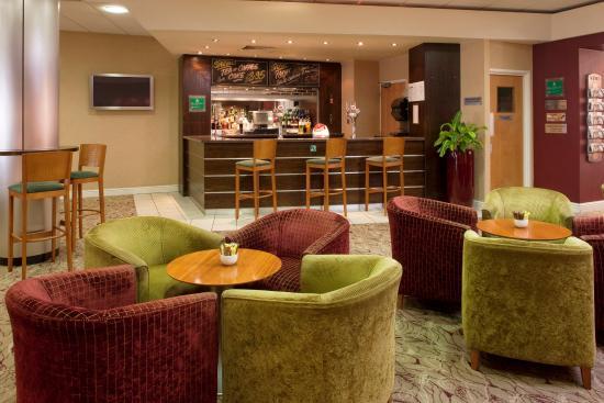 Hothfield, UK: Bar and Lounge