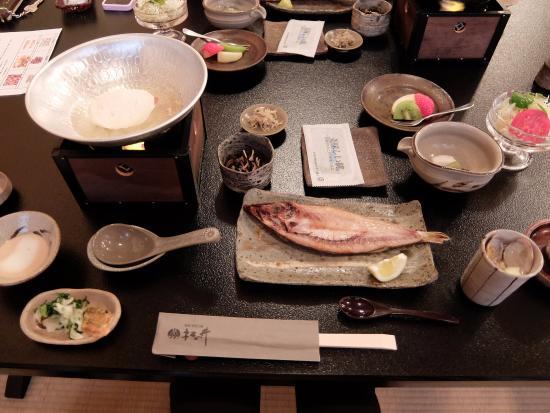 Ryokan Matsunoi : 朝食の海苔もおいしい