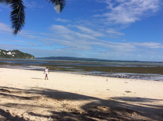 Rieseling Boracay Beach Resort: beach