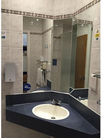 Upper Harbledown, UK: Guest Bathroom