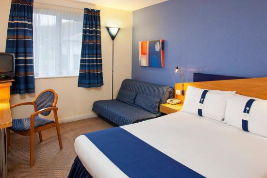 Upper Harbledown, UK : Well appointed modern accommodation with flat screen TV