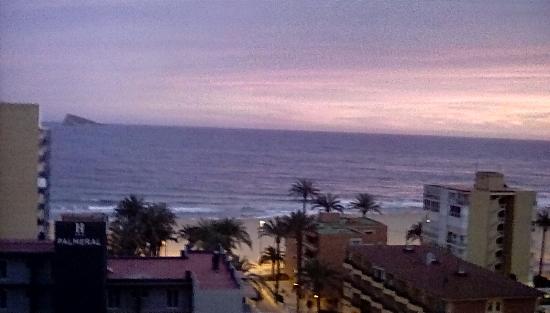 Apartamentos El Faro: View from room at sunset