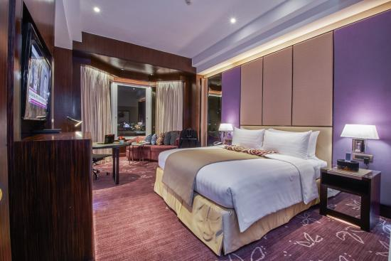 Diamond Hotel Philippines: Diamond Club King