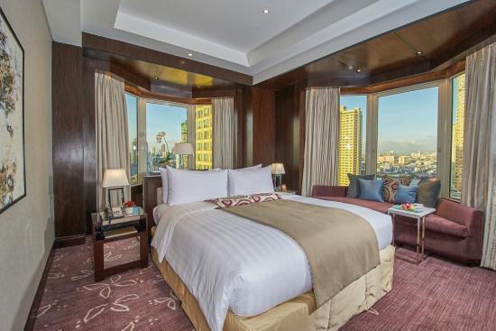 Diamond Hotel Philippines: Diamond Club Regency Island Bed