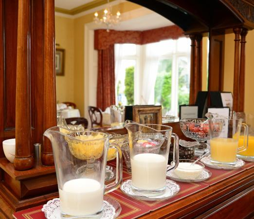 Holcombe House: Breakfast time