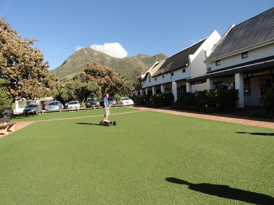 De Noordhoek Lifestyle Hotel: Playing in the farm village