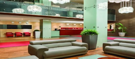 Ramada Sibiu: Reception lobby
