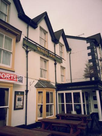 White Lion Hotel: White Lion front