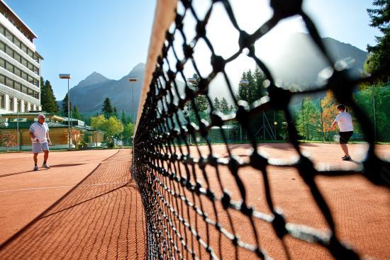 Hotel Altein, Gartenanlage mit Tennisplätzen