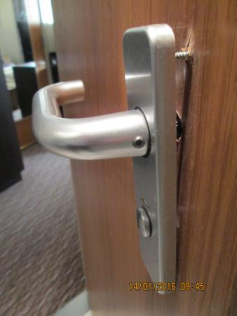 Loose Shower Room Door Handle Picture Of Holiday Inn