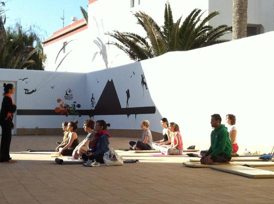Corralejo Surf School - 1 Day Lesson: yoga