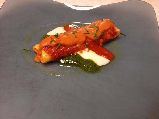 Montefiore dell'Aso, Italië: Cannellone farcito al salmone