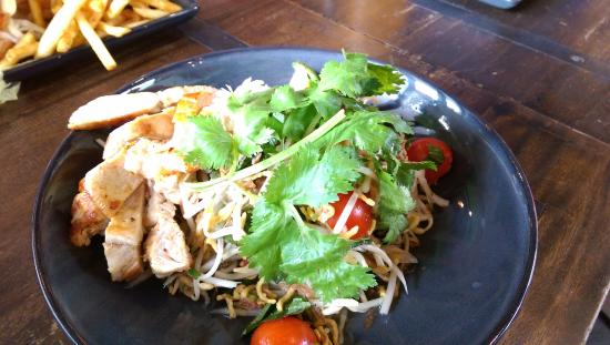Grilled Chicken Salad - Picture of Humber, Wollongong - TripAdvisor