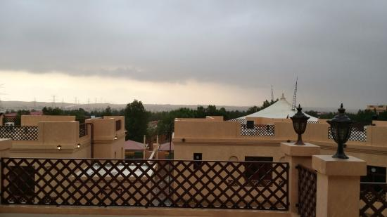 Al Bada Hotel and Resort: pleasant weather