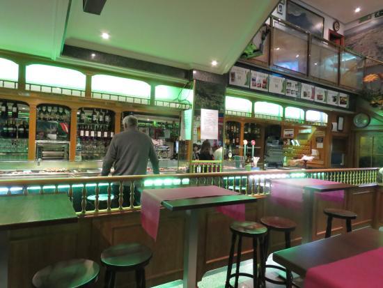 Restaurante De Prado: View of the serving area