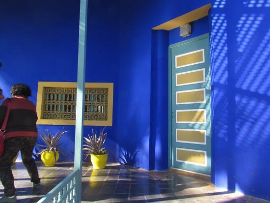 Le bleu majorelle face au ciel photo de jardin majorelle - Jardin majorelle prix d entree ...