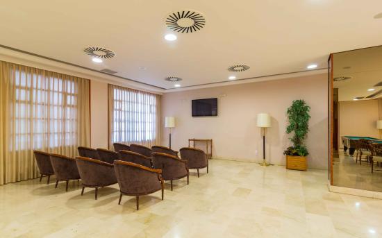 Hotel Oroel - Sala TV