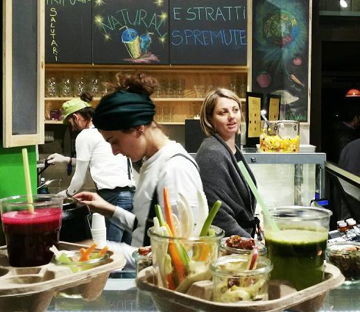 Il mercato con cucina foto di mercato del suffragio for Mercato frutta e verdura milano