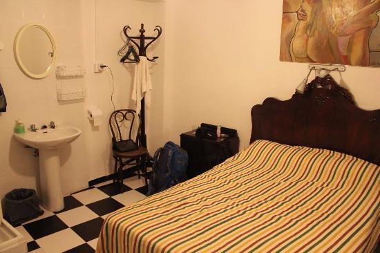 Pension San Benito Abad: bedroom