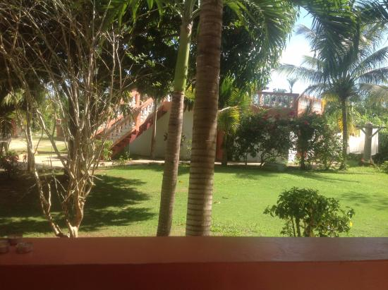 Hidden Paradise Resort Hotel: View from the room towards the pool