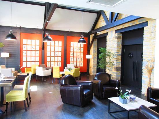 Le vegetarium: Lounge Bereich & Café