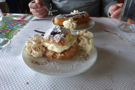 Andon, فرنسا: les choux maison vanille et chantilly!!!