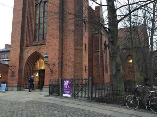 Hellig Kors Kirke