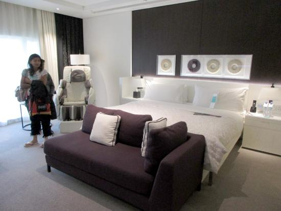 highly modern and super clean rooms picture of le meridien dubai rh tripadvisor co nz