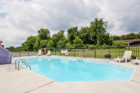 Cornersville, TN: Pool