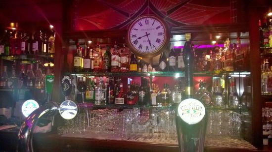 Hotel Old Quarter: Bar shot