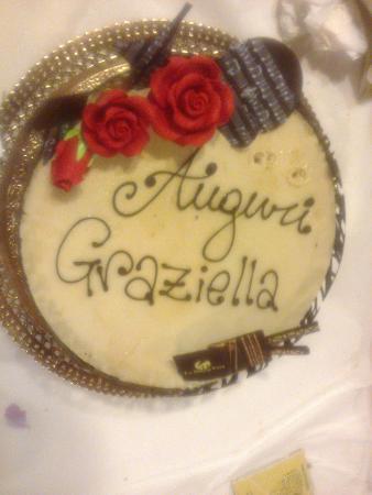 Moie di Maiolati, Itália: Torta compleanno.