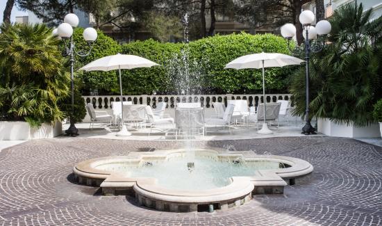 Grand hotel des bains riccione prezzi 2017 e recensioni - Bagno 53 riccione ...