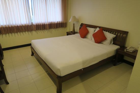 Ariya Inn: Room