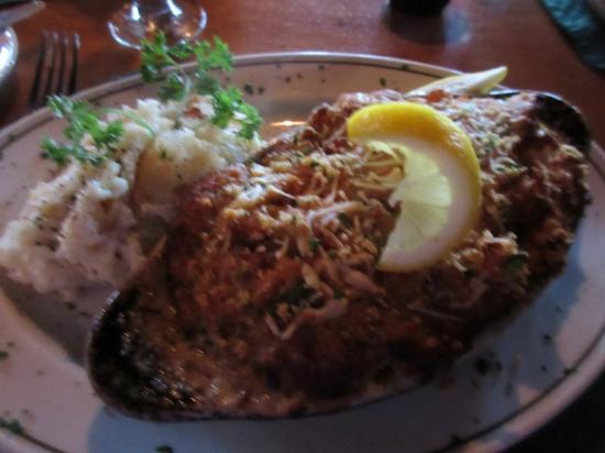 Rainbow Grille & Tavern: Seafood Casserole