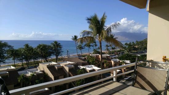 Kamaole Beach Royale Resort  Veiw From The Lanai