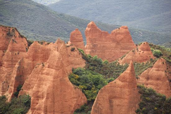 Castille-et-León, Espagne : Resto de las minas de oro explotadas por los romanos con la técnica del martillo de agua.