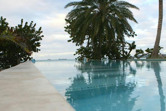 Coconut Beach Club: IMG_0026_large.jpg