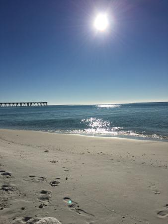 The Pearl of Navarre Beach: On the beach directly Gulf front-Great location!