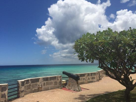 Hilton Barbados Resort: Needham's point