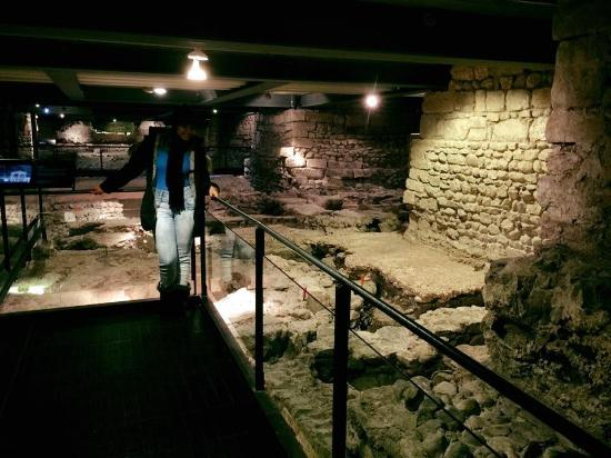 Archeological Site at St. Pierre's Cathedral : Local muito legal