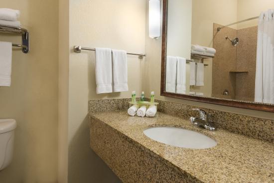 New Iberia, Λουιζιάνα: Standard Guest Bathroom
