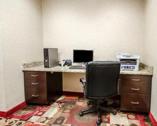 Comfort Inn Louisville: Business center
