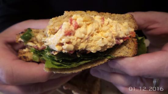 ดาห์โลนีกา, จอร์เจีย: The BLPC sandwich