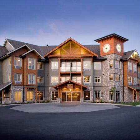 Courtenay, Canada: Front Of Hotel