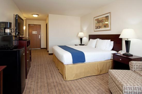 Buffalo, WY: King Bed Guest Room