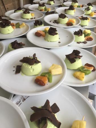 Semifreddo al pistacchio con cioccolato fondente foto di ristorante bologna san piero in - Ristorante bologna bagno di romagna ...