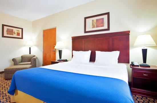 Holiday Inn Express Hotel & Suites Waukegan: Deluxe Room