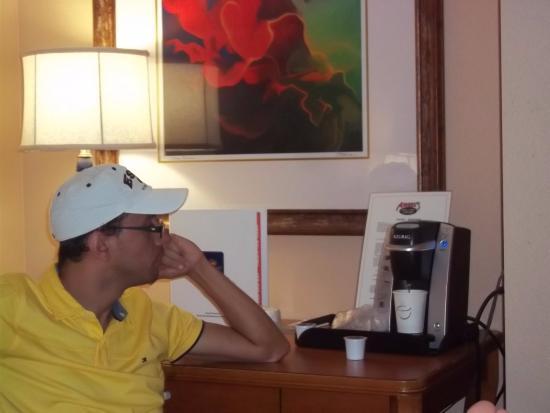 35ac080f93c892 Red Lion Hotel Orlando - Kissimmee Maingate: Maquina de café muito boa