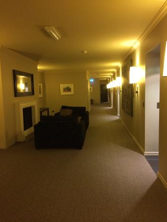 Lyall Hotel and Spa: Landing outside our room